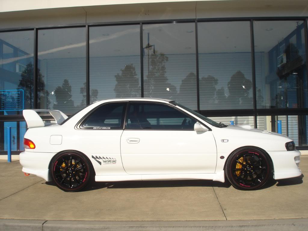 Subaru impreza gc8 white